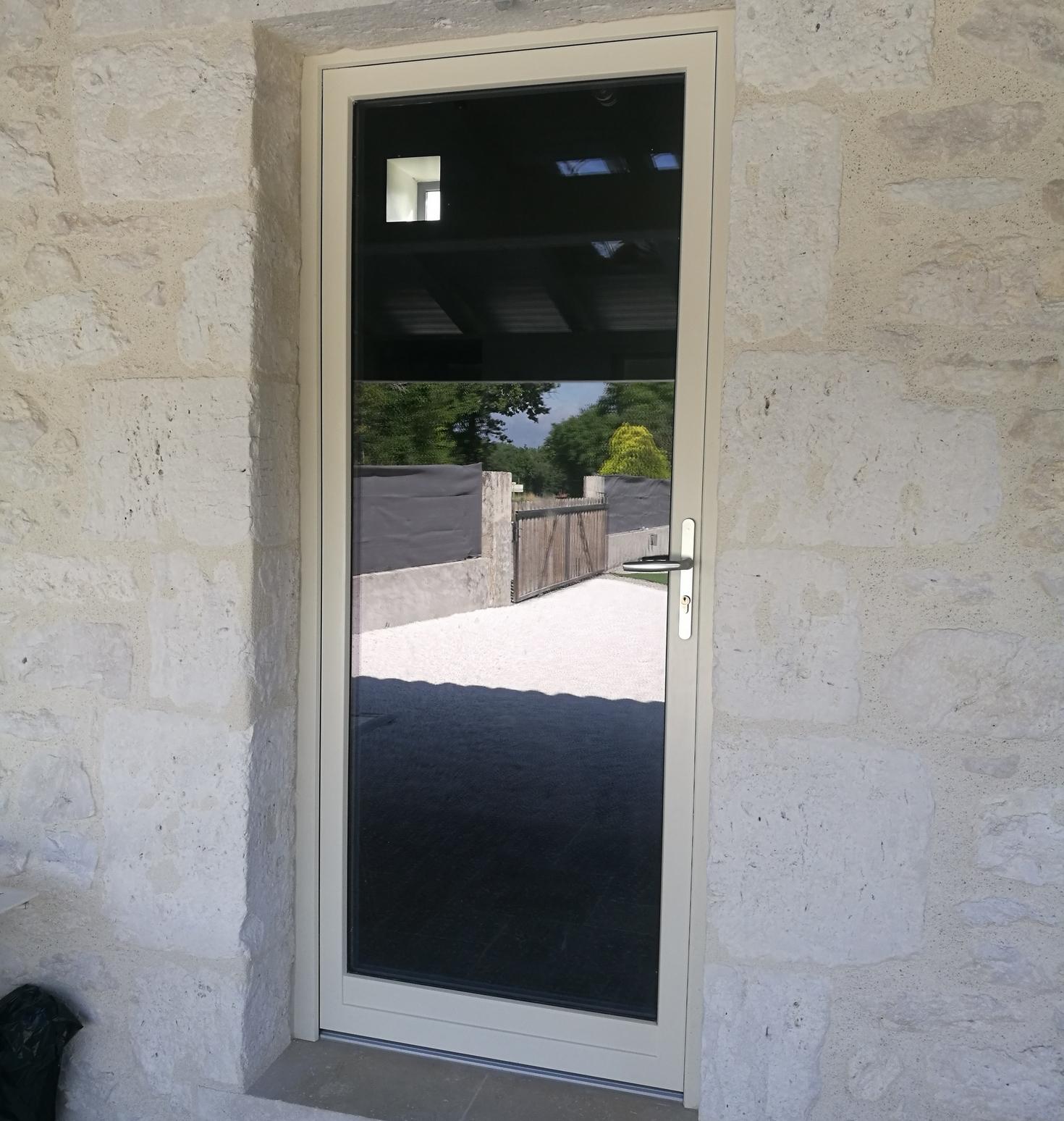 Porte-fenêtre mixte bois-aluminium finition EasyLine